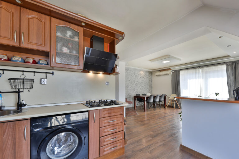 Тристаен апартамент Редута